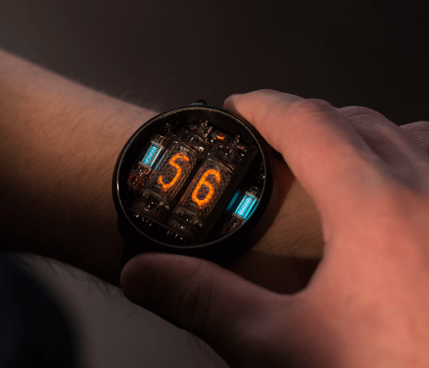 NIWA Nixie-Tube Steampunk-Smartwatch