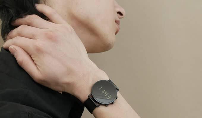 Tokiji Digital-Armbanduhr