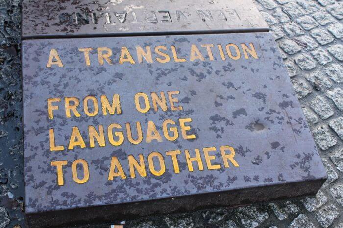 Ohrhörer mit Offline-Übersetzer
